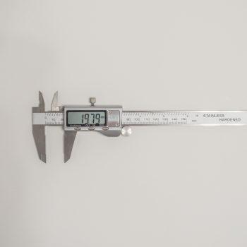 Штангенциркуль с глубиномером цифровой электронный 150 мм