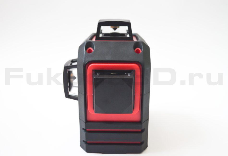Лазерный нивелир Fukuda 3D имеет прорезиненный ударопрочный корпус.