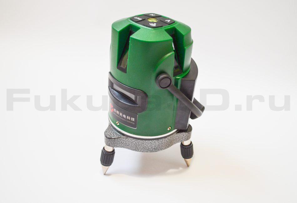 Лазерный уровень с зеленым лучом на 5 линий