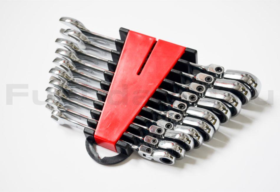 Большой набор рожково-накидных ключей с трещоткой и шарниром