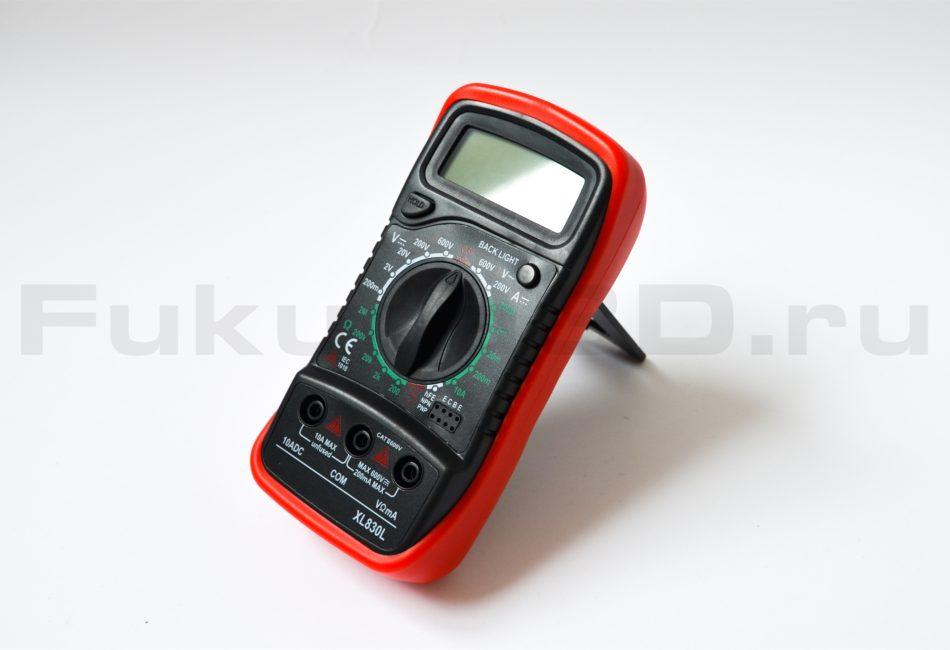 Цифровой мультиметр XL830L на подставке
