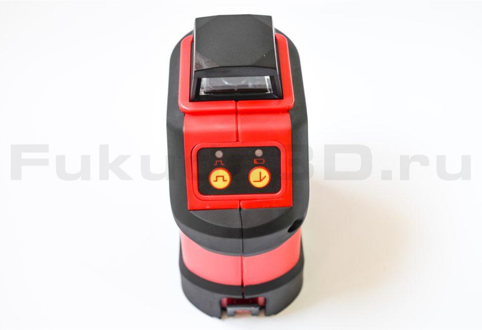 Лазерный уровень Fukuda FDG-190R фото сзади