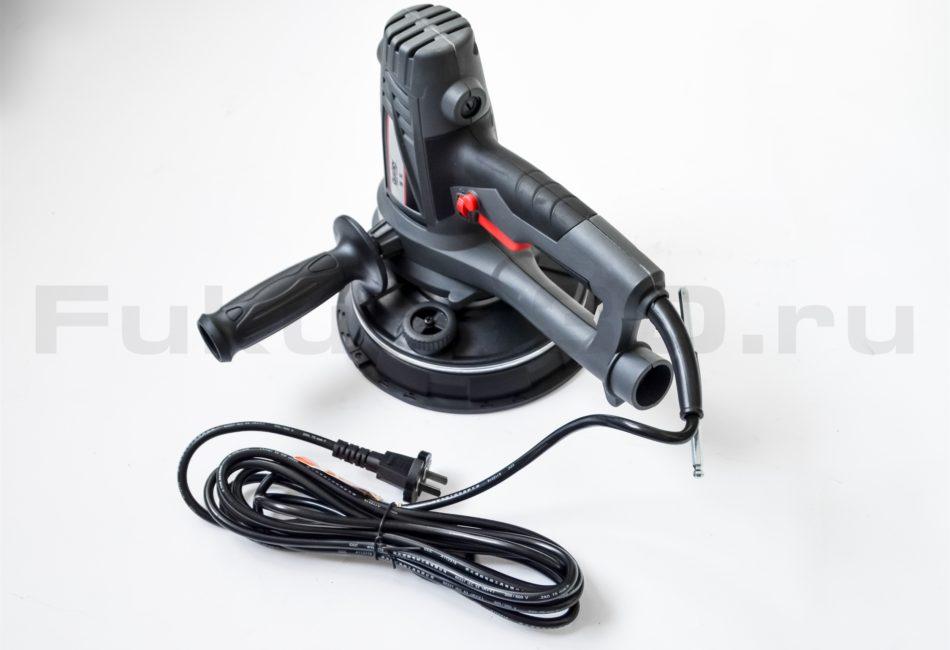 Длинный кабель позволяет работать без удлинителя