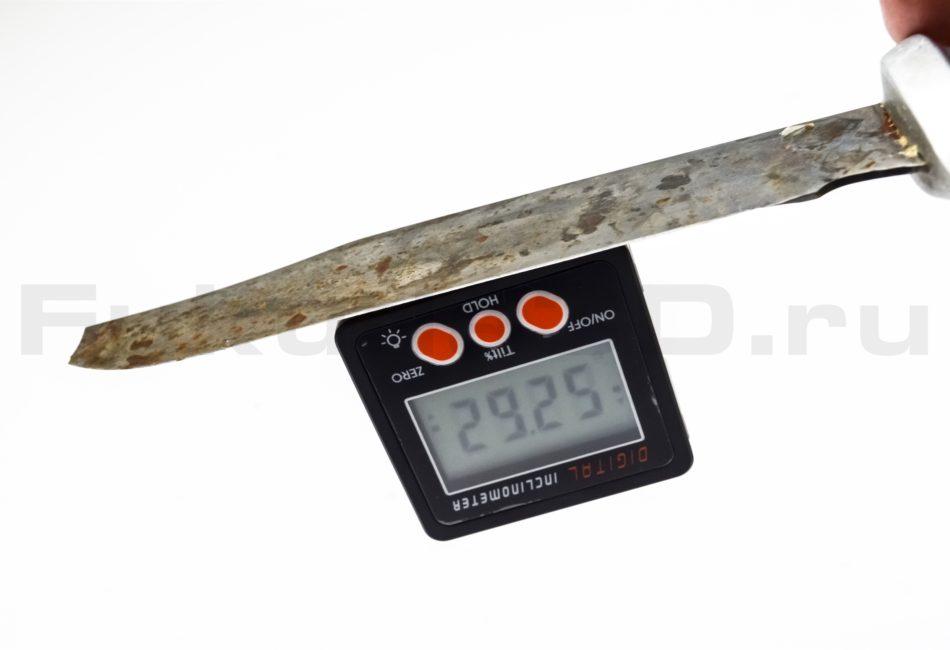 Инклинометр электронный переворачивает показания на дисплее для удобства считывания.