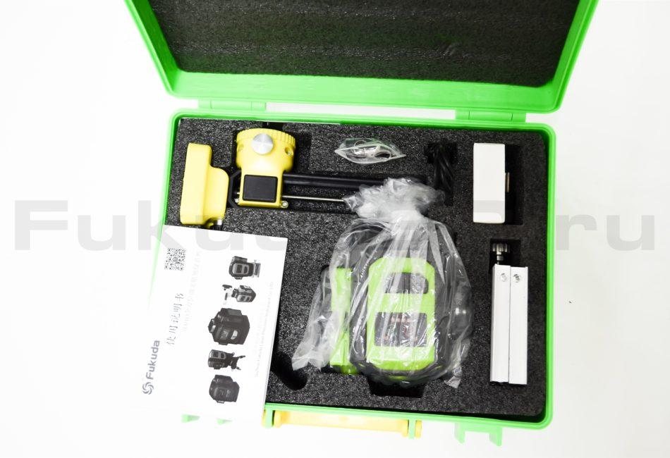 Лазерный уровень Fukuda 3D MW-93D-3GJ с зеленым лучом поставляется в кейсе