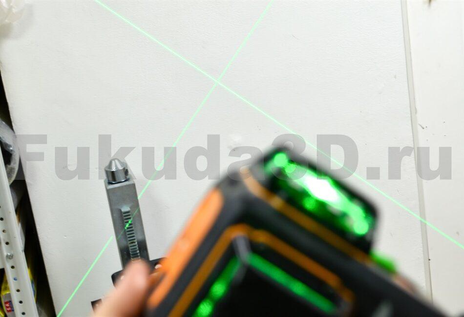 LAiSAi LSG665 c зеленым лучом имеет возможность работы под наклоном с зафиксированным маятником