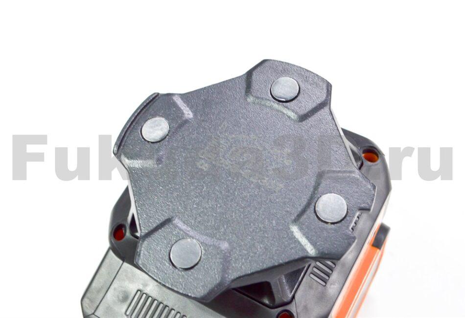 LAiSAi LSG665 имеет металлическое основание